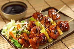 Необычное блюдо из обычных продуктов: курица якитори на гриле