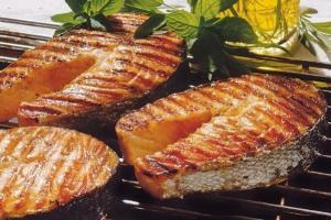 Яку рибу готувати на грилі?