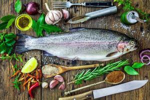 Риба з пряними травами на грилі