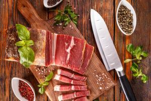 Як доглядати за ножами для м'яса