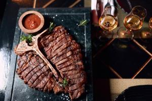 10 ресторанов, где готовят лучшие стейки в мире. Часть 1